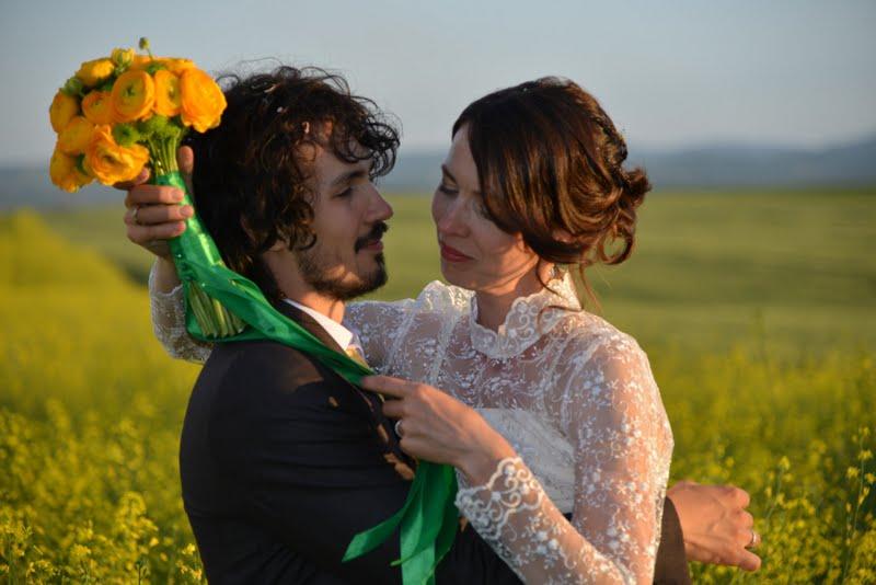 O nunta in galben