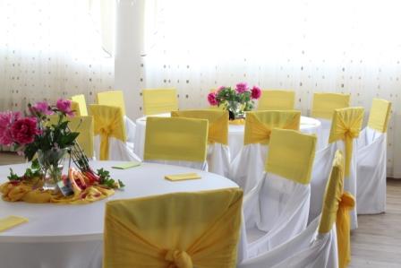 Decoratiuni nunta galben, alb, verde